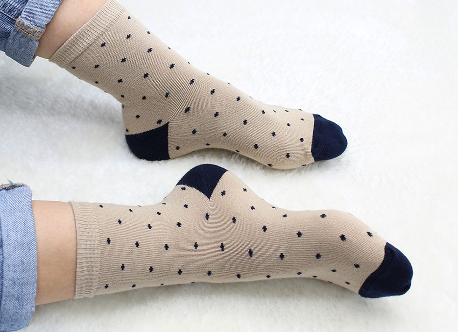 chaussettes à pois beige soketi